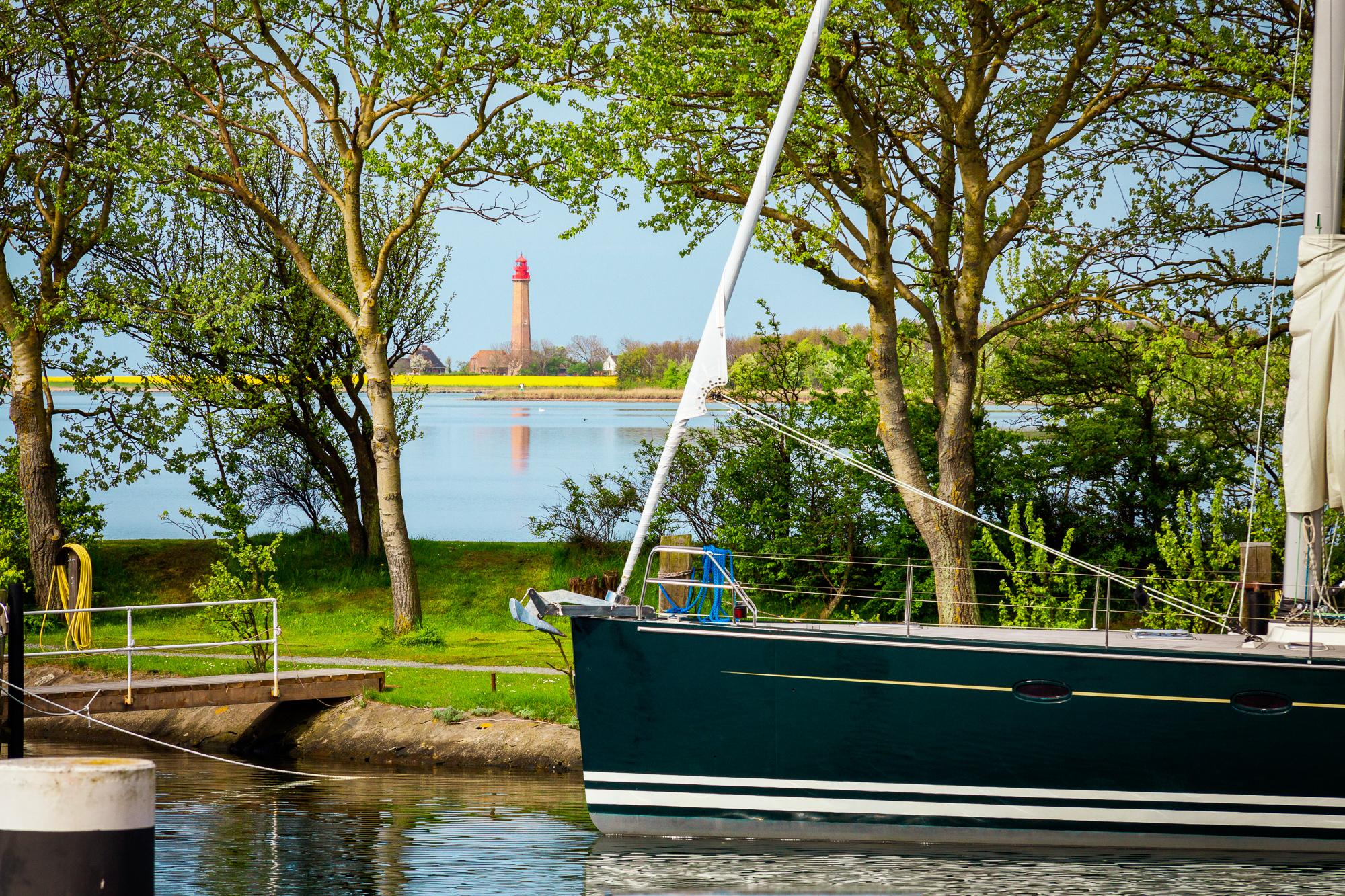 Hafen Orth Leuchtturm Flügge