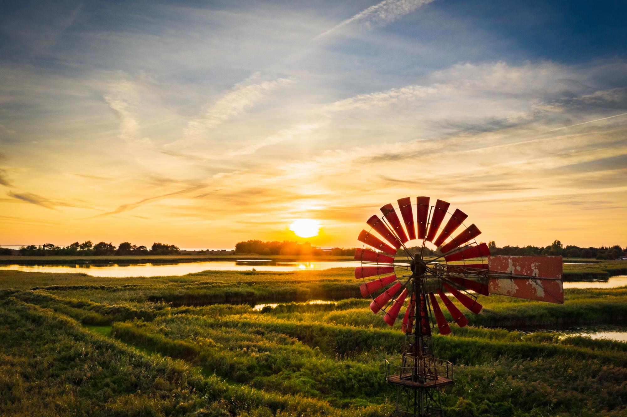 Sonnenuntergang Flügge Windrad