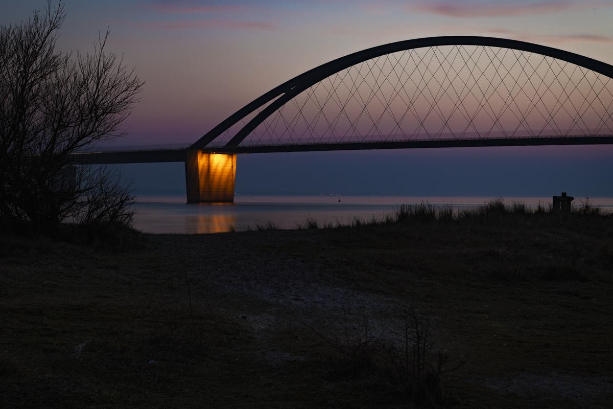 Fehmarnsund Brücke Nacht